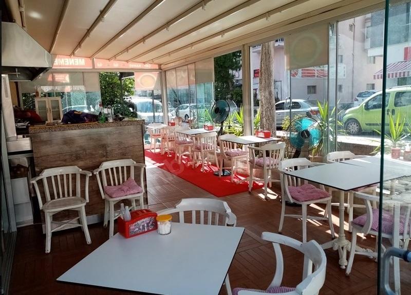 دارای مجوز کسب / اجاره رستوران در حال کار / ازمیر منطقه برنووا/ 4350 لیر مبلغ کرایه ماه